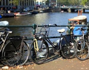 Amsterdam ve Bisikletler
