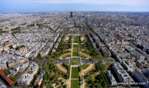 Eiffel'in tepesinden