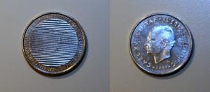 Aynı paranın iki yüzü. Bu parayı eline alan kimse ilk 30 sn içinde kaç kron olduğunu söyleyemedi.