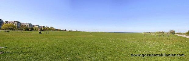 13 fotoğraftan oluşan sahil kıyındaki başka bir parkın panoraması